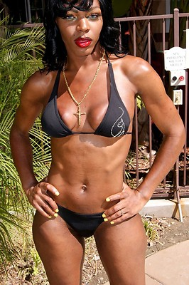 Sexy tall ebony T-girl